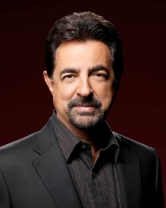 Kiwanis club of Burbank Honors Joe Mantegna